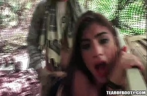 Arabe babes baisée dans le camp de la jungle